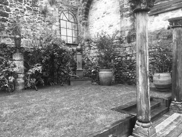 bassin fontaine gazon
